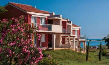 Villaggio turistico con appartamenti ristrutturati