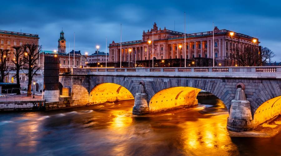 Riksdag e il ponte Norrbro a Stoccolma