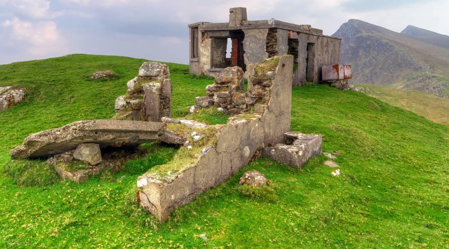 Casa di montagna vuota sull'isola Achill Island