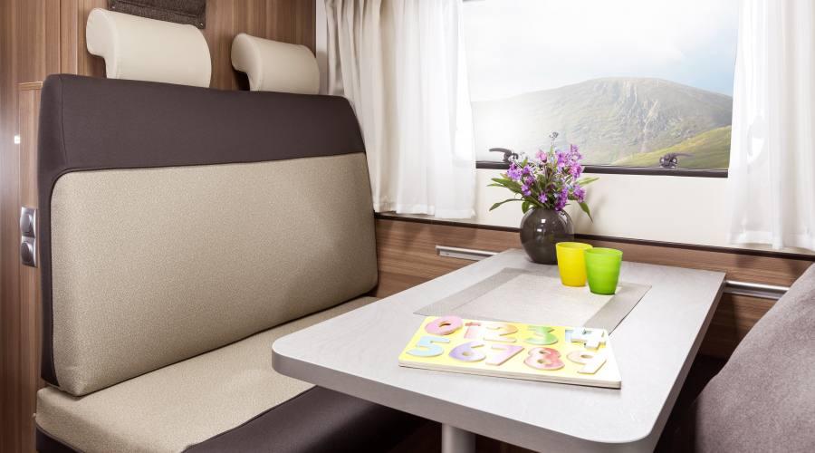 Interno camper Vista Plus per viaggio in Irlanda