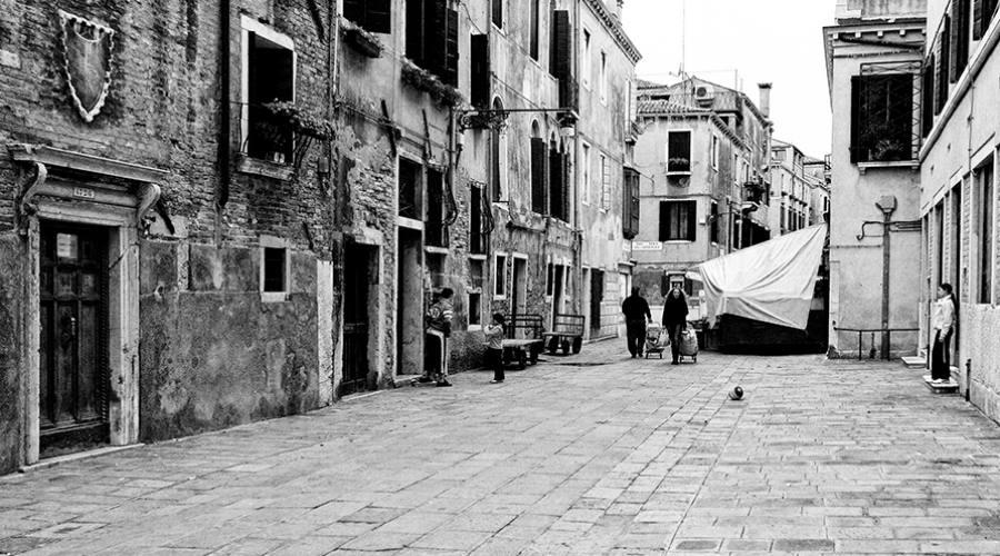 Tra le vie di Venezia