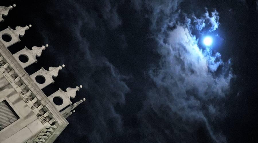 Luna a Piazza San Marco