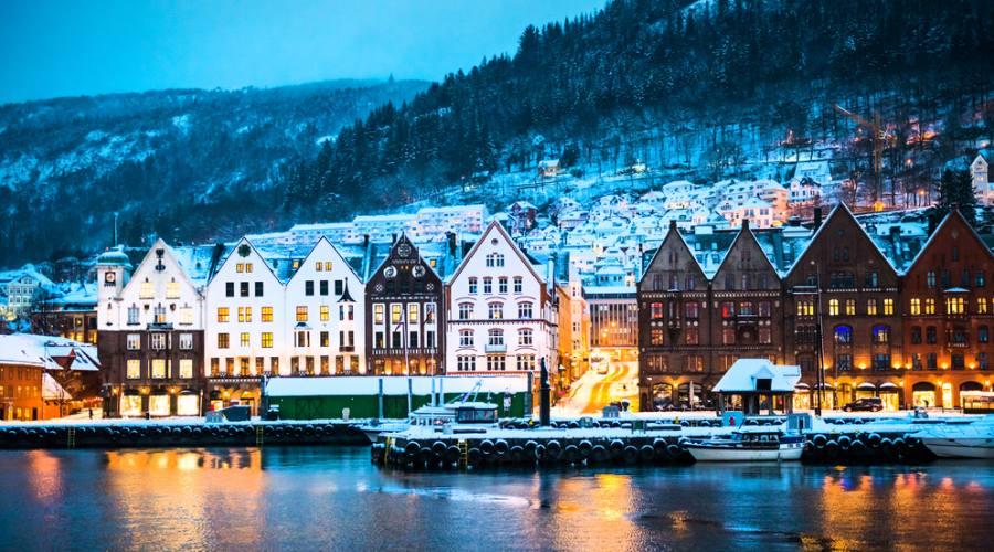 Bergen di notte, Norvegia, Norway in a Nutshell
