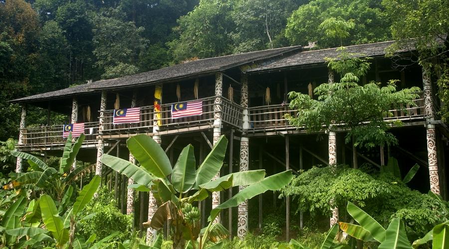 Una longhouse Iban
