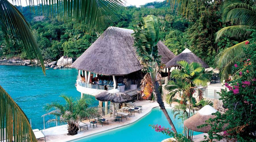 Mahe' - La piscina del Sunset Beach 4 stelle
