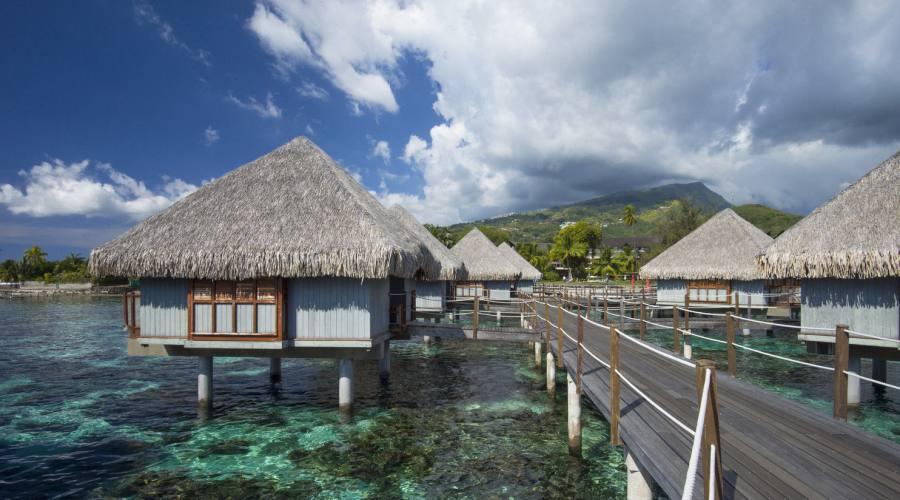 Tahiti - Hotel Le Meridien - Overwater Bungalows