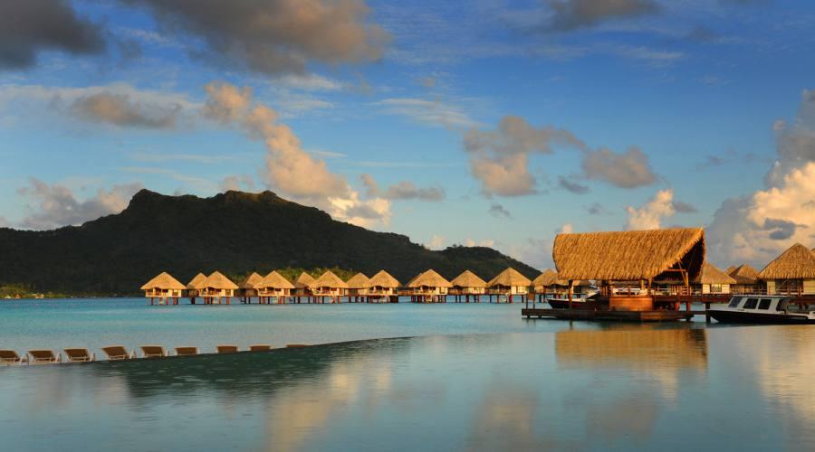 Bora Bora - Hotel Le Meridien - Infinity Pool