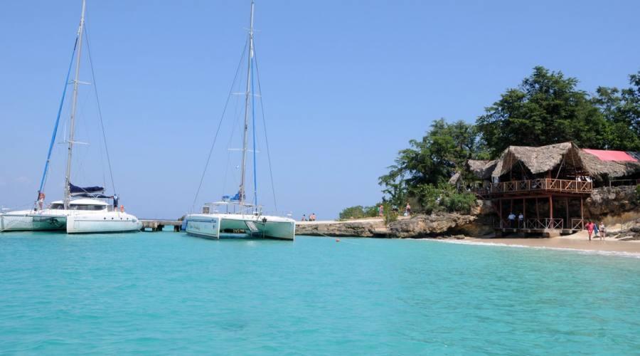 Cayo Saetia, catamarano