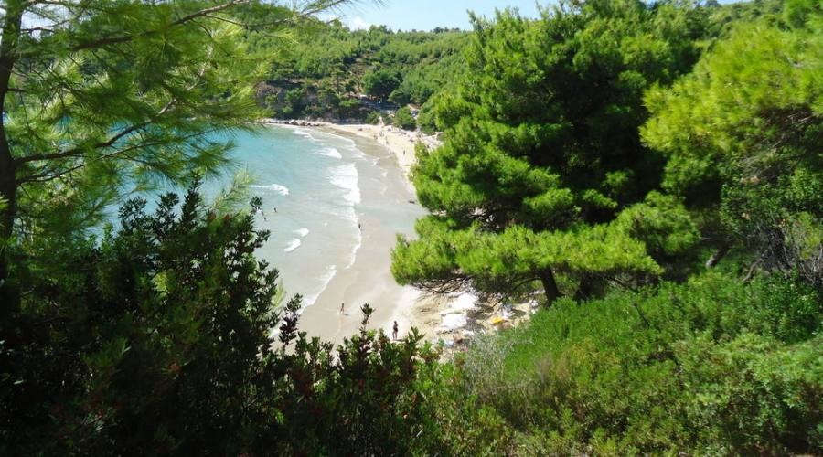 Spiaggia sotto al villaggio