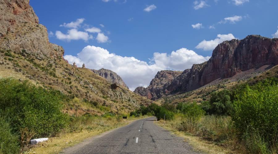 strada nella natura...