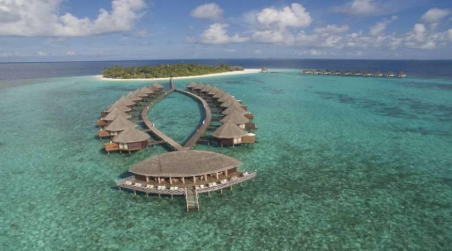 Angaga Island Resort