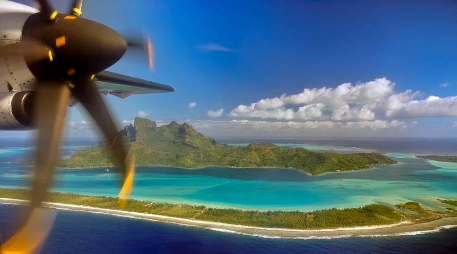 Bora Bora vista dall'aereo