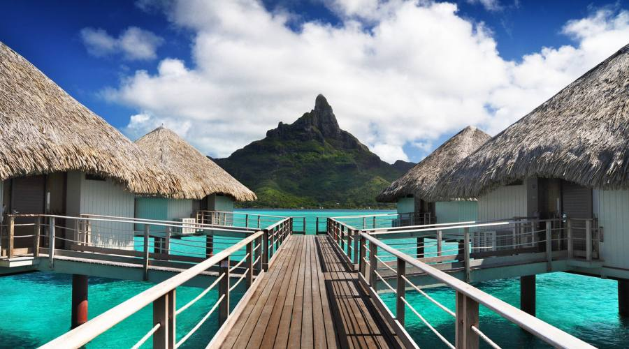 Bora Bora - Hotel Le Meridien - Overwater Bungalow