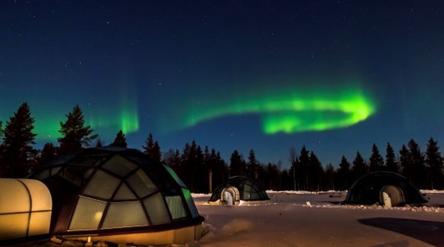 Igloo di vetro e Aurora Boreale