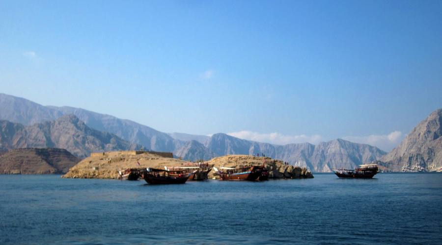Dhows in rada