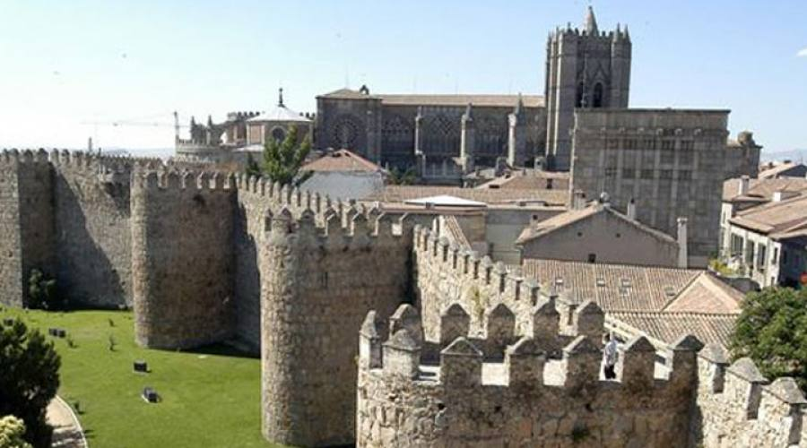 Avila: le mura e la città