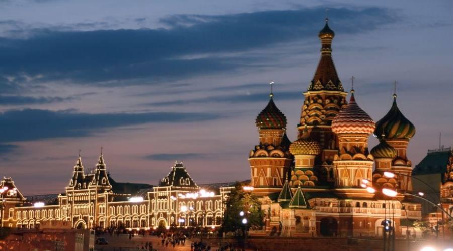 Mosca panoramica sulla piazzaRossa