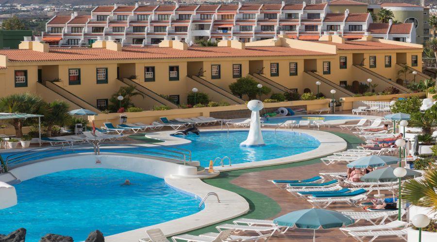 panorama della struttura e piscina