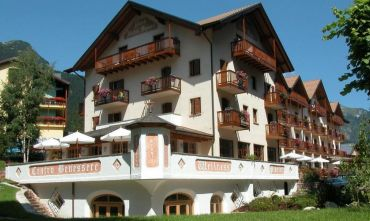 Una fresca estate in montagna: hotel 4 stelle ideale per famiglie e 4 zampe!