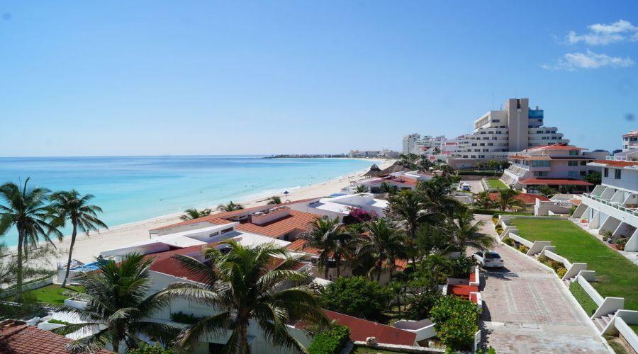 Solymar Beach: Vista mare