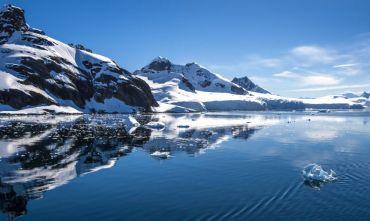 In navigazione lungo la Penisola Antartica