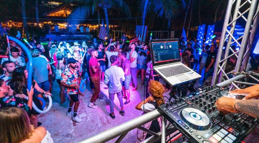 Discoteca Viva Dominicus Beach