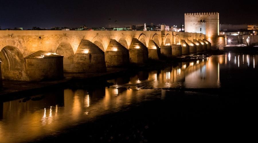 Cordoba, Il ponte romano di notte