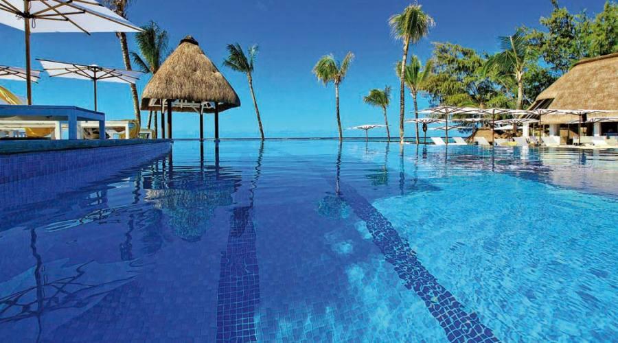 La bellissima piscina...