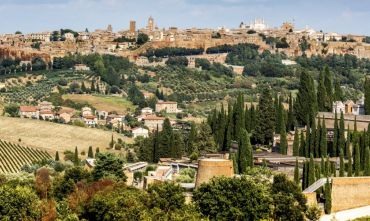 Discover Umbria: Cycling, wine tasting and cooking lessons