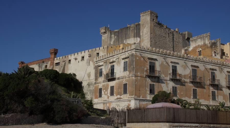 Butera, Castello di Falconara