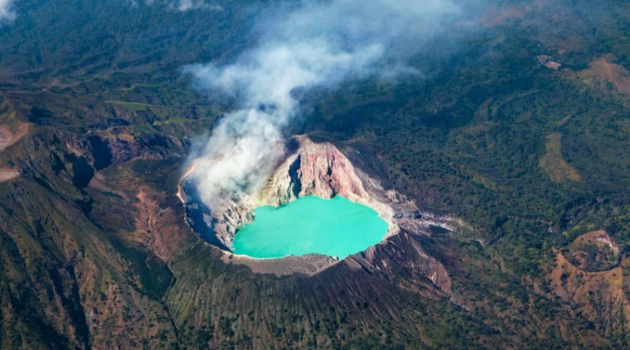 Lago carstico Indonesia