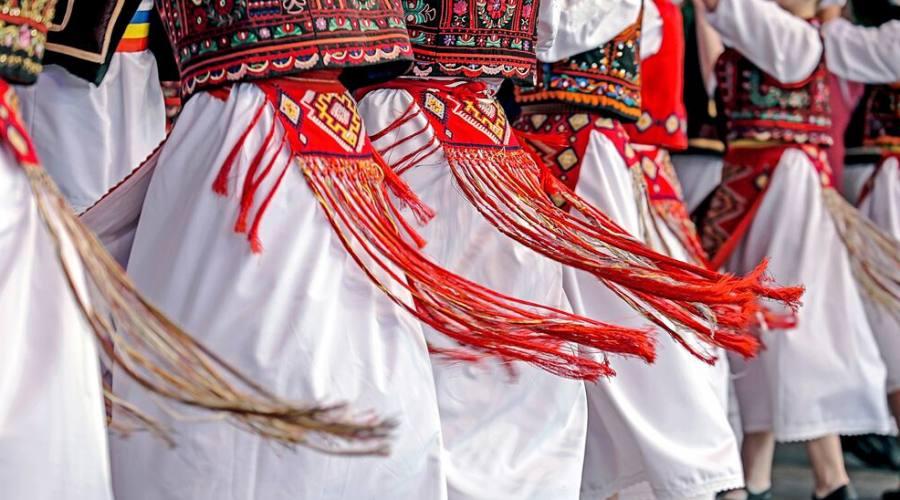 Danze in costume