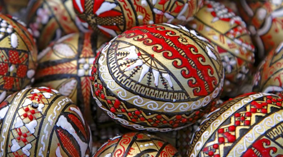 Tipiche uova in legno