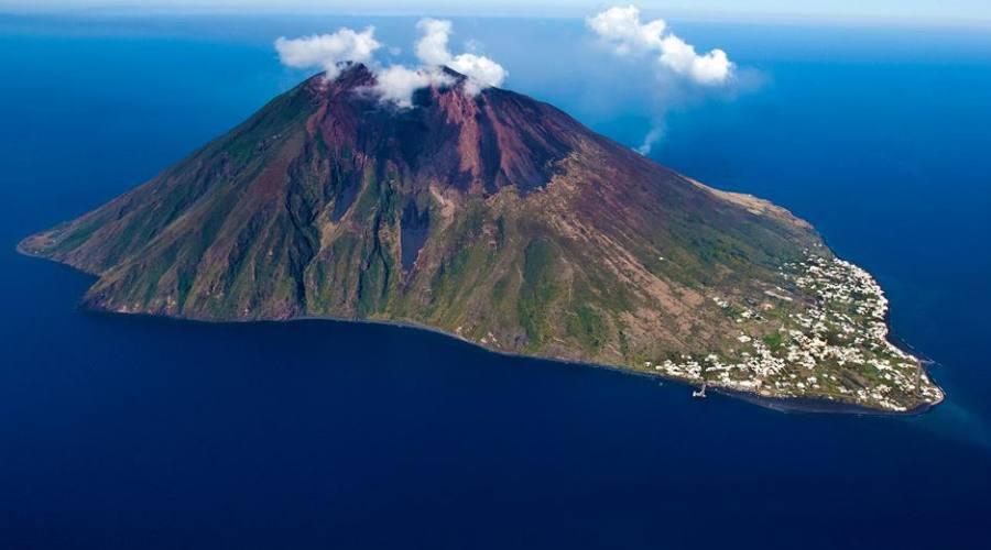 Vulcano stromboli all'isola di eolie