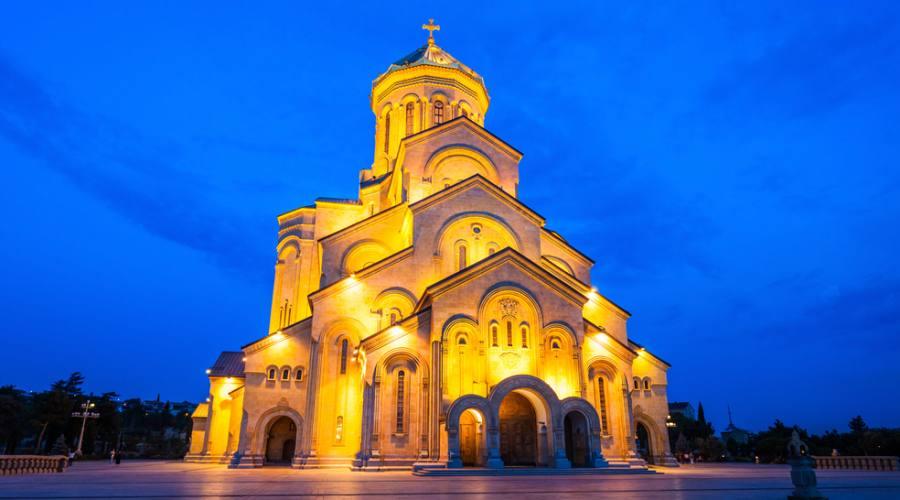 Monastero in notturna