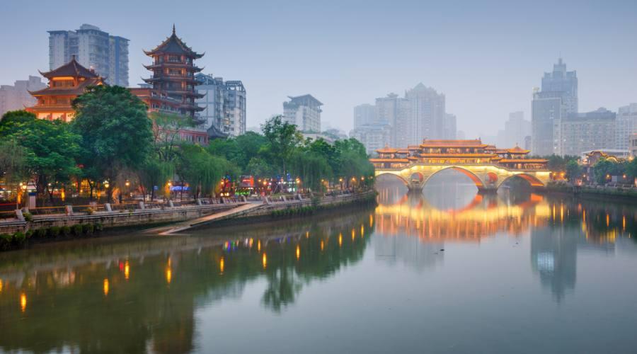 Chengdu: Lungofiume