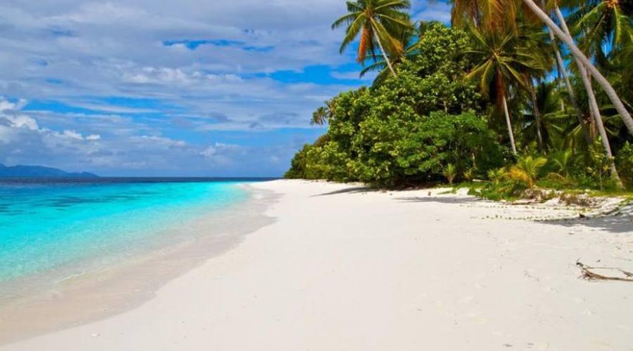 La spiaggia di spiaggia di Agusta Eco Resort