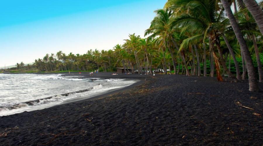 Punaluu Black Sand Beach, Maui