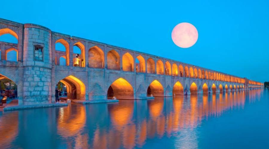 Antico ponte di Khaju
