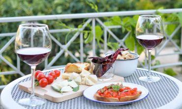 Dal cuore della Valle d'Itria, a ritmo di natura, cultura e gusto, verso la città dei Sassi