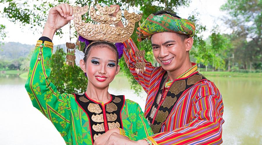 I costumi tradizionali del Borneo Sabah
