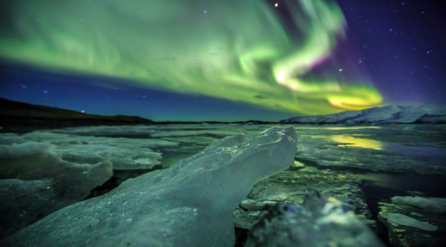 Aurora Boreale sulla laguna glaciale di Jokulsarlon