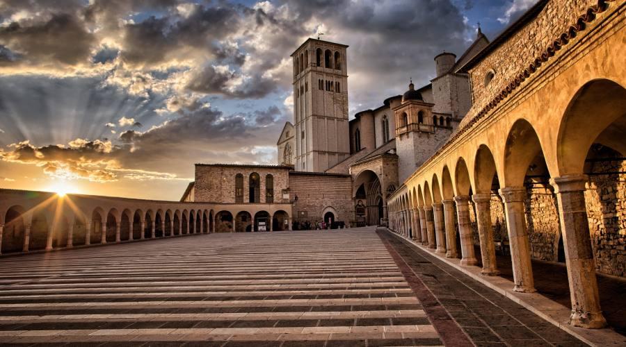 Scalinata Basilica di San Francesco D'Assisi