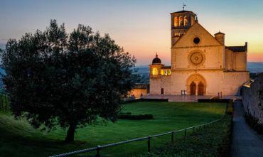 In pellegrinaggio verso la città di San Francesco, con passaggio da Cascia e Roccaporena