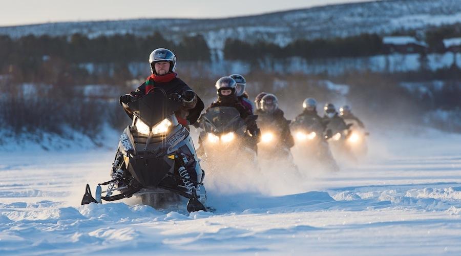 Escursione in motoslitta (rjan Bertelsen_www.nordnorge.com)