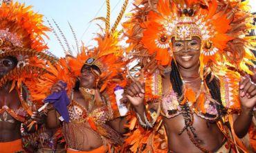 La Grande Mela e Natale a Nassau per il Junkanoo Festival
