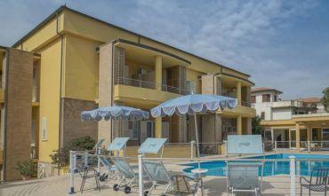 La Riviera del Conero: oltre al mare... la vacanza è tutto l'anno, in formula hotel.