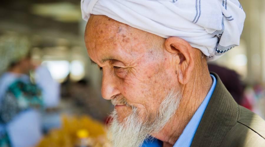 anziano uzbeko