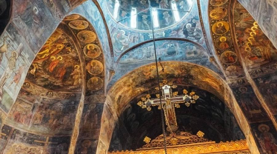Interni ciesa ortodossa