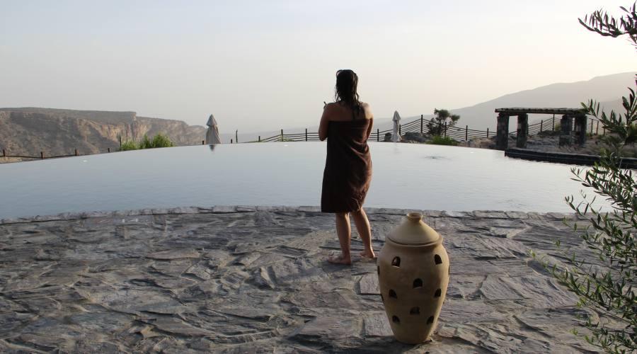 Bagnante in piscina- Alila Hotel